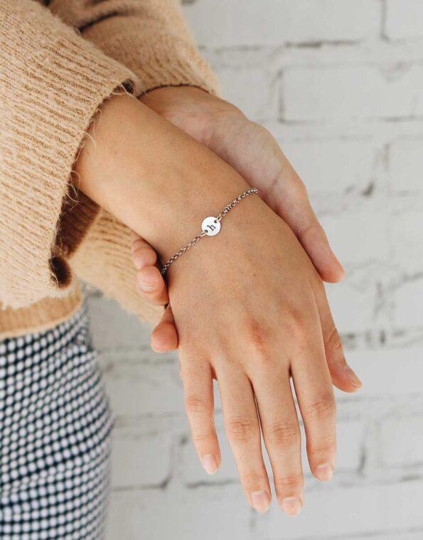 dainty-initial-bracelet-silver-model-2