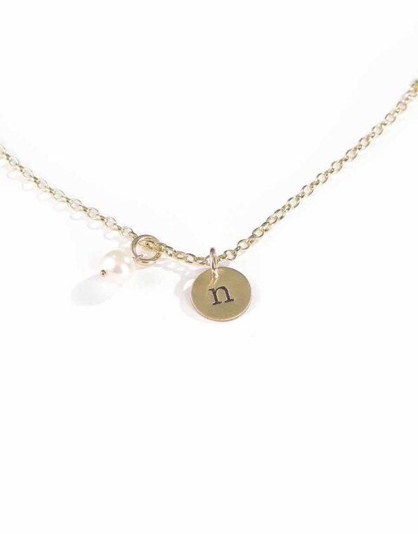 golden-initials-on-a-chain-2