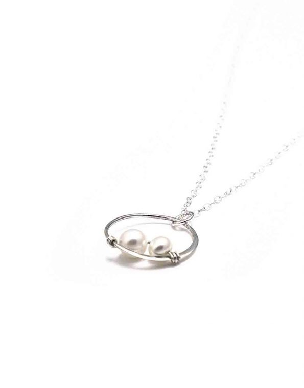 simple-elegance-pearl-necklace-4