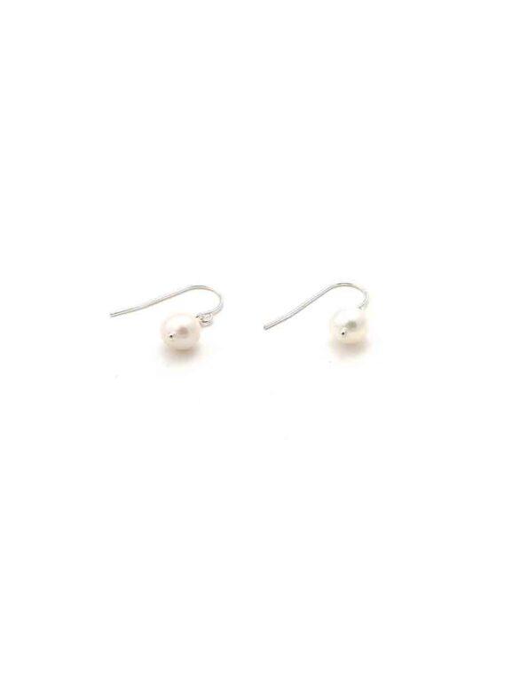 single-pearl-drop-earrings-1