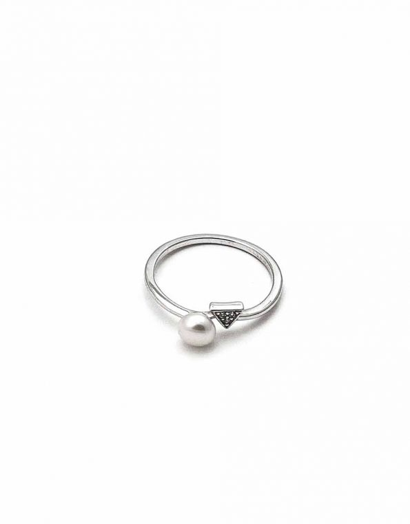 sterling-stardust-triangle-pearl-ring-1